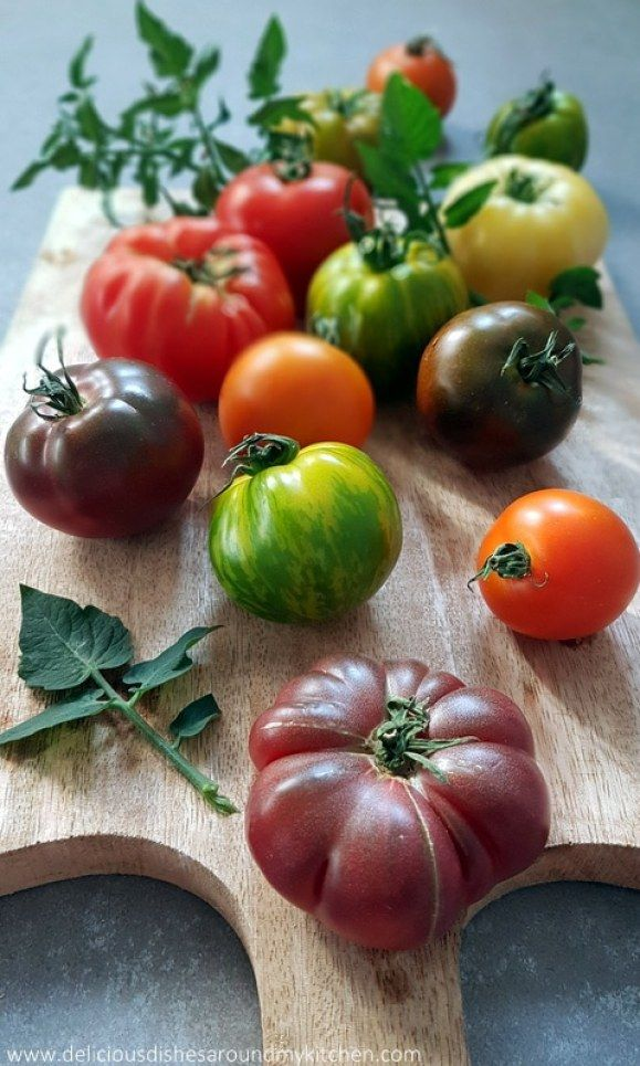 basilikum tomaten k se tarte tomaten farbenspiel und vielfalt. Black Bedroom Furniture Sets. Home Design Ideas