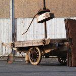 Réponse: pressoir à fruits ambulant pour la production de cidre conservé au Musée du bocage normand (50) #QECO  https://twitter.com/reseaudesmusees/status/882879782794514432 pic.twitter.com/SD2BGXk38W