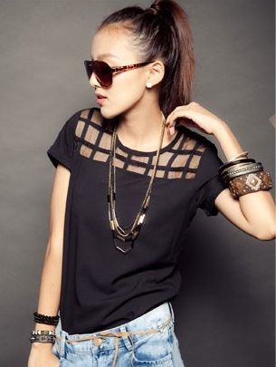 Square Cut-Out Tshirt - Black