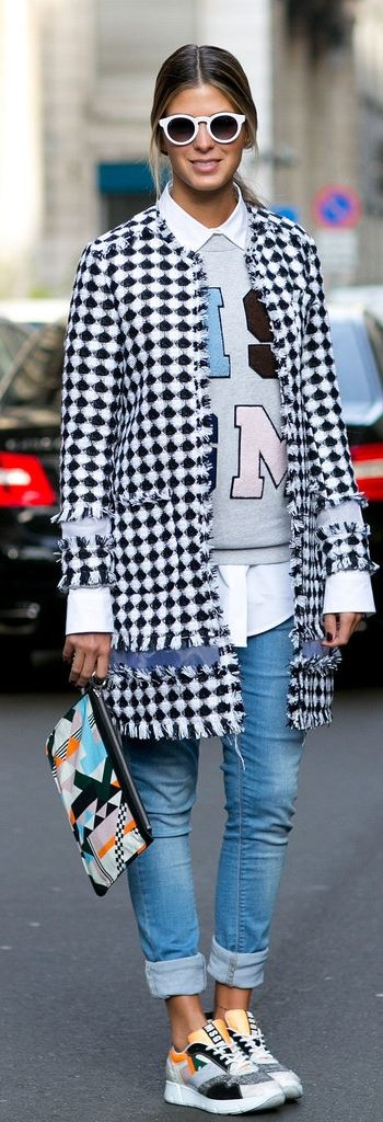 Milan Fashion Week street style: printed coat, cuffed jeans and sneakers