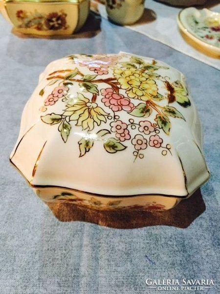 Zsolnay pillangó mintás bonbonier