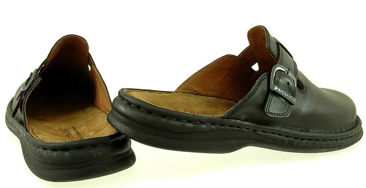 Męskie klapki Josef Seibel 10122 schwarz  Klapki Josef Seibel to wysoki komfort!  Wykonane ze skóry naturalnej.  Kolor: czarne.