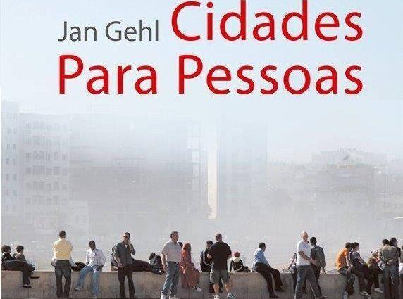 """""""Cidades para Pessoas do arquiteto e urbanista dinamarquês, Jan Gehl, analisa algumas cidades do mundo que se desenvolveram com sucesso nas últimas décadas e estabelece os desafios para o futuro. Gehl aborda, de forma aprofundada e objetiva, questões que são fundamentais à qualidade de vida na cidade e que se refletem na escala dos espaços, nas soluções de mobilidade, nas dinâmicas que favorecem a vitalidade, sustentabilidade e segurança das áreas urbanas, na valorização de espaços púb(...)"""""""
