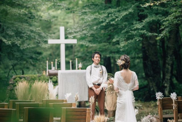 Ceremony In The Forest Just For Two ななさんの挙式ハナレポ ウエディングパーク 挙式 結婚式 装飾 アウトドアウェディング