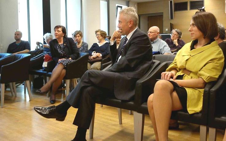 Audience at the round table discussion on the Warsaw uprising. Photo Holocaust Memorial Center-Zoltan Toth / Résztvevők a varsói felkelés 70-ik évfordulója alkalmából rendezett beszélgetésen.