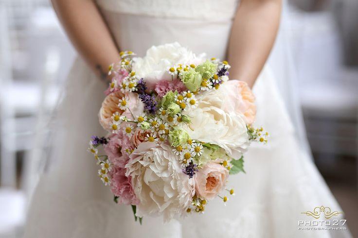 Bouquet * fiori di campo, PEONIES, CAMOMILLA #lucafioriudine #vistorta #conegliano #bouquet #aliceweddingplanner