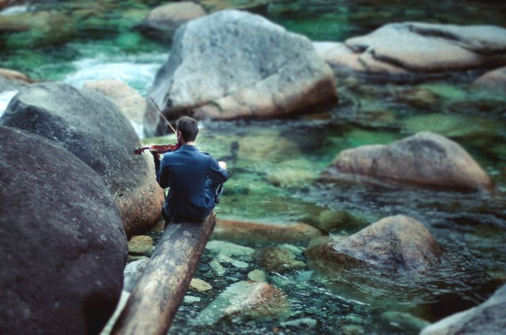 Elizabeth Gadd is a self-taught 21-year-old photographer from Vancouver, Canada. Her signature style is to photograph wanderers and adventurers in magnificent landscapes.