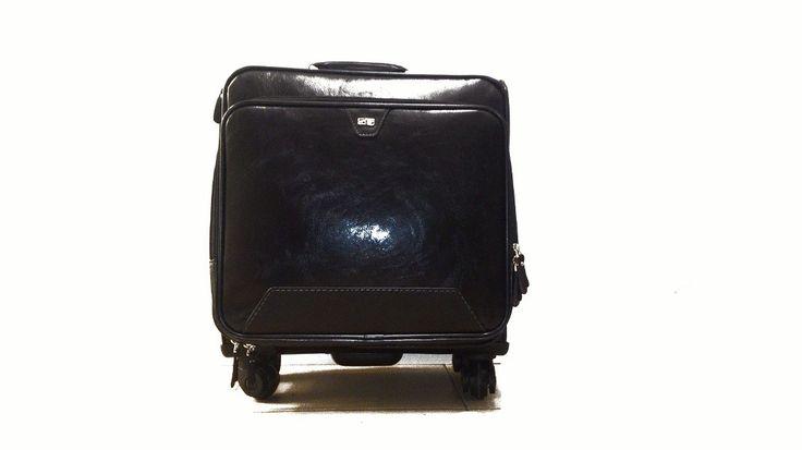 Kaliteli ve şık valizler sosela.com da! daha fazlası için mutlaka sitemizi inceleyin. bavul deinince akla sosela sosela sosela .... #seyahatçantaları #bavul #valiz #çanta