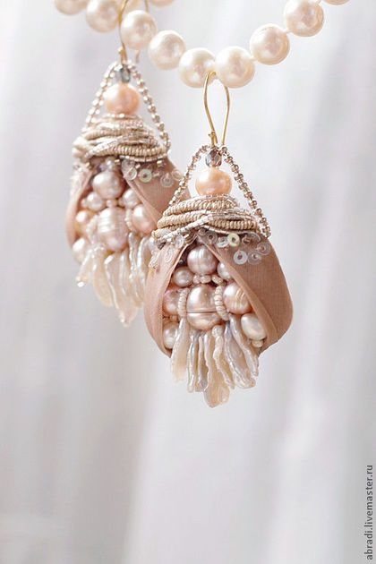 """Gorgeous earrings / Серьги ручной работы. Ярмарка Мастеров - ручная работа. Купить Серьги """" Бутоны """".. Handmade. Бледно-розовый, бисер"""