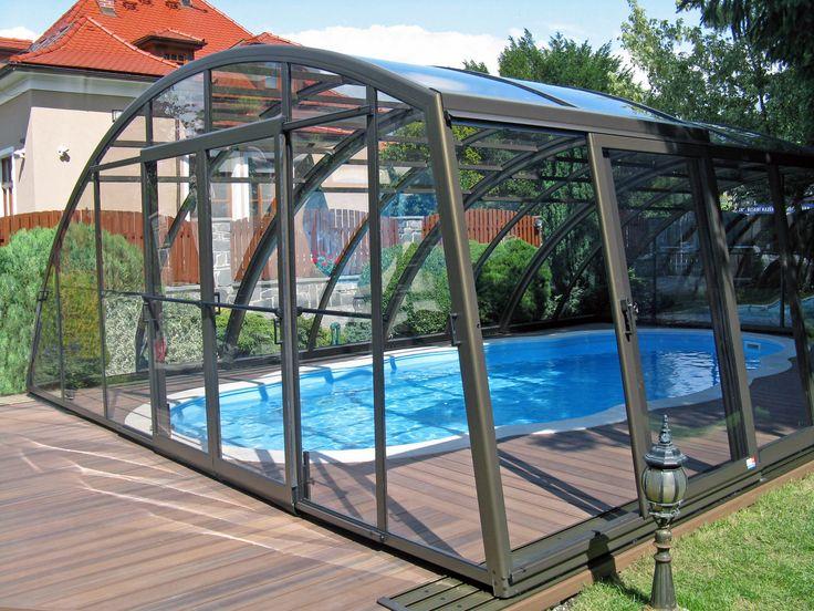 Elegantní bazénové zastřešení RAVENA od výrobce kvalitních zastřešení teras, bazénů a vířivek Alukovu.