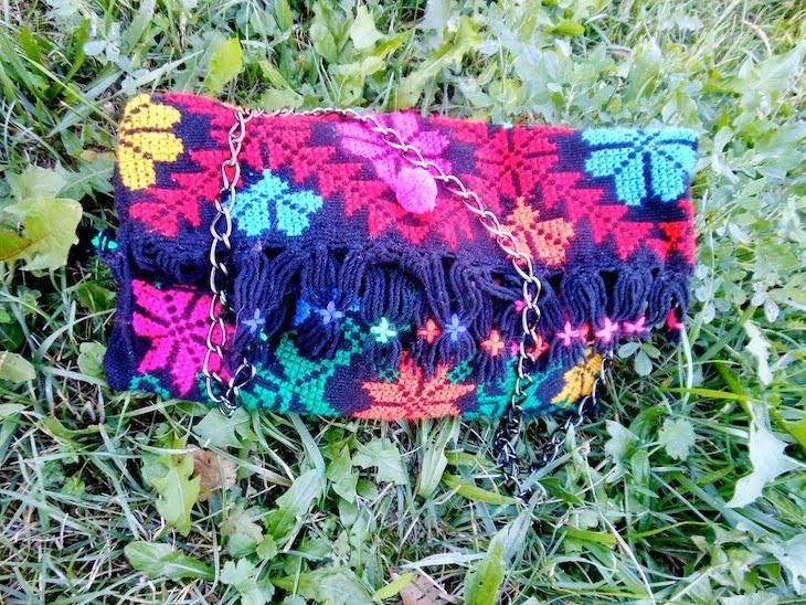 #shoes #boots #etnochic #fashionblog #fashion #girl #sporty #sweater #accessories #atzectrend idea outfit indianini e borsa azteca, karma of charme, amanda marzolini the fashionamy, fashion blogger stilista sporty , fashion blog made ...