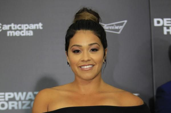 Gina Rodriguez will voice globe-trotting thief Carmen Sandiego in an animated Netflix reboot based on the 1980s computer game.