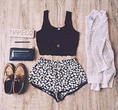 Black crop top, boho daisy shorts, cream sweater, brown shoes, black purse, naked 2 palette.
