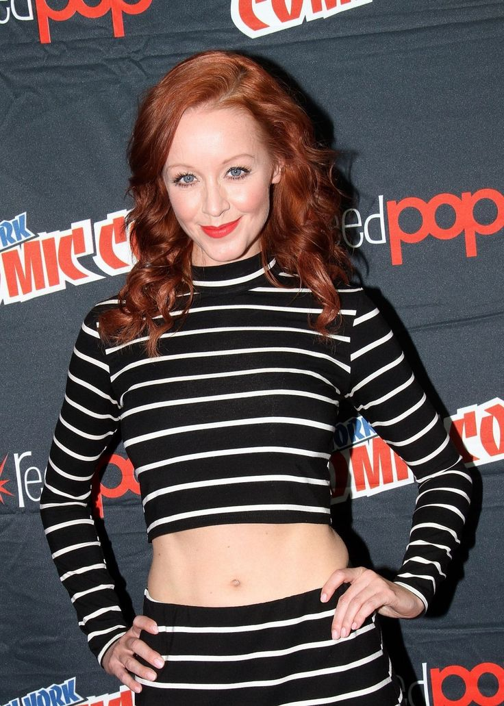 lindy-booth-at-the-librarians-press-conference-at-comic-con-in-new-york-2080240554.jpg (1200×1681)