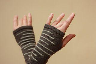ANNE, laine mérinos (interventions manuelles sur machine à tricoter)