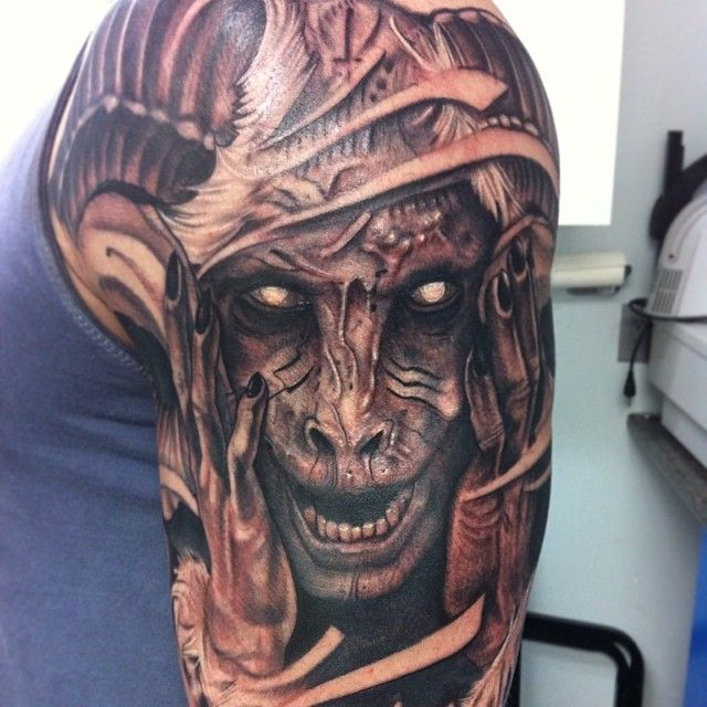 Kyle Staub of Honor Bound Tattoos, Calgary   Alberta ...