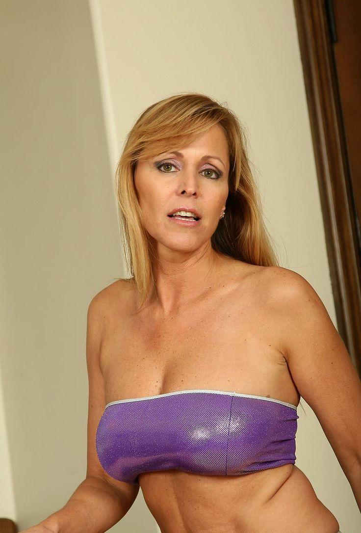 Nicole Moore Nude Photos 11