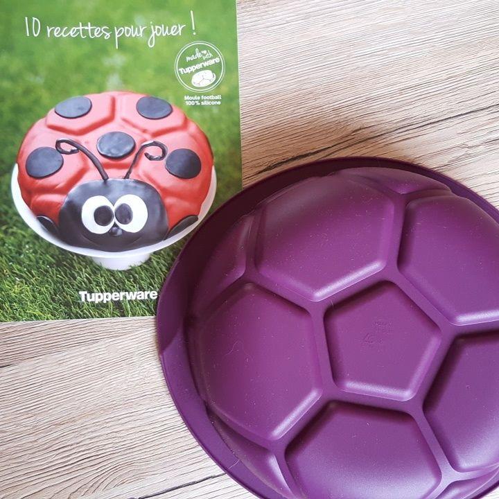 Moule Football silicone Tupperware, proposé avec son livret de recettes - en vente uniquement jusqu'au 3 juillet 2016