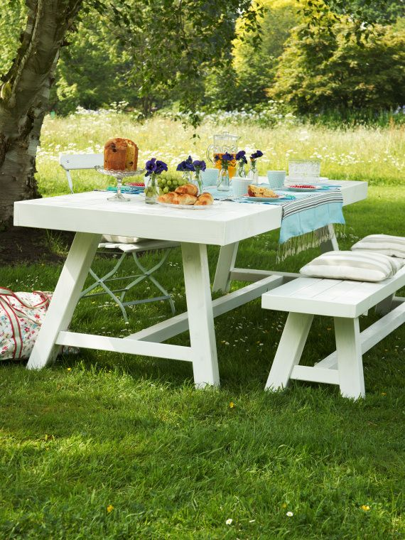 Wooden Table/Bench white
