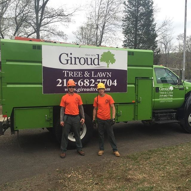 It's Arbor Day! And, there's no better way to celebrate than to give some loving care to trees. Giroud gave much needed help to the trees at Deep Creek Park in Green Lane, PA. Our Tree Climbers Rick Wilson and Jack Morvin represented Giroud at the Penn Del ISA's annual Arbor Day event.  #giroudtreeandlawn #treebiz #treeremoval #arborist #treeservice #arblife #climblife #treesurgeon #arboriculture #lawnservice #climbing_pictures_of_instagram #welovetrees #treecompany #diseasedtree…