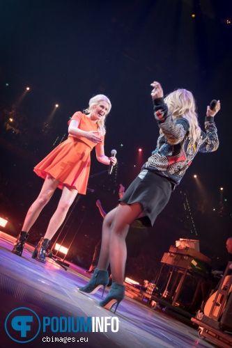 Ilse Delange en Miss Montreal op Vrienden van Amstel Live! 2015