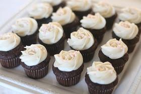 Sasaki Time: Chocolate Banana Cupcake with Cream Cheese Frosting