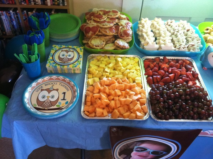 Birthday Party Dinner Ideas Part - 27: Owl Birthday Party Food. I Like The Mini Pizzas And Shaped Sandwiches.