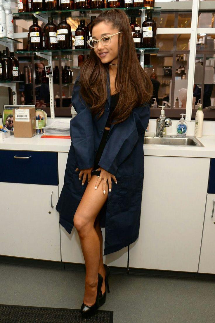 Ariana Grande glasses