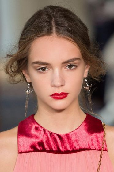 The Best Bridal Makeup Looks to Borrow from the Runways