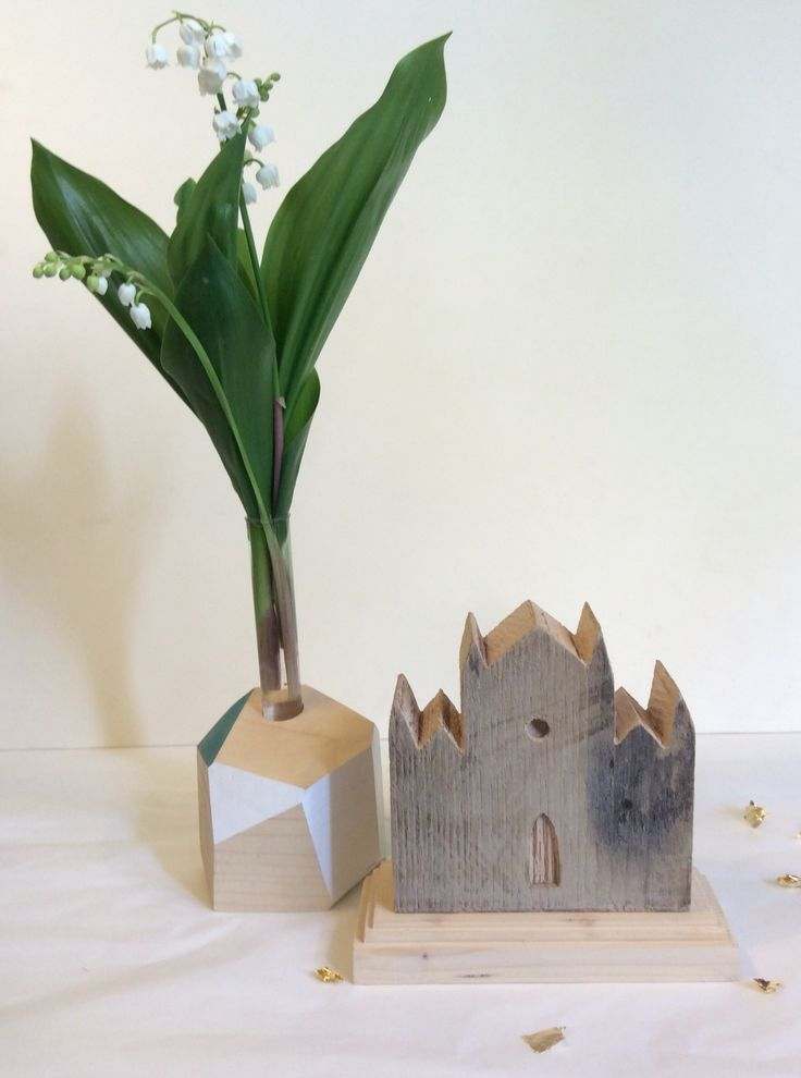 #florentine #chestnut #wooden #monument. Santa Croce, Firenze. An alternative souvenir for your friends and family.