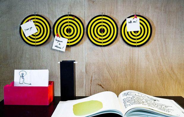 La parete della scrivania: organizzata e... divertente!