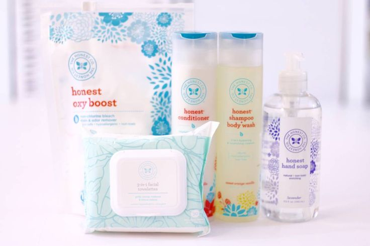 Reviewing my August Essentials Bundle from The Honest Company Including a Brand New Product!