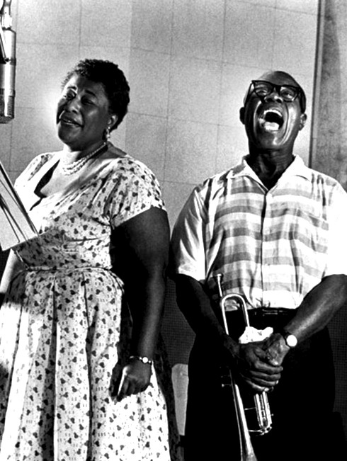 ella fitzgerald and louis armstrong...love this!Photos, Music, Louisarmstrong, Ella Fitzgerald, Louis Armstrong, Jazz, Ellafitzgerald, Icons, People
