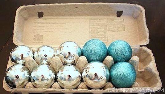 Kerstspullen opruimen? Gebruik eierdozen!