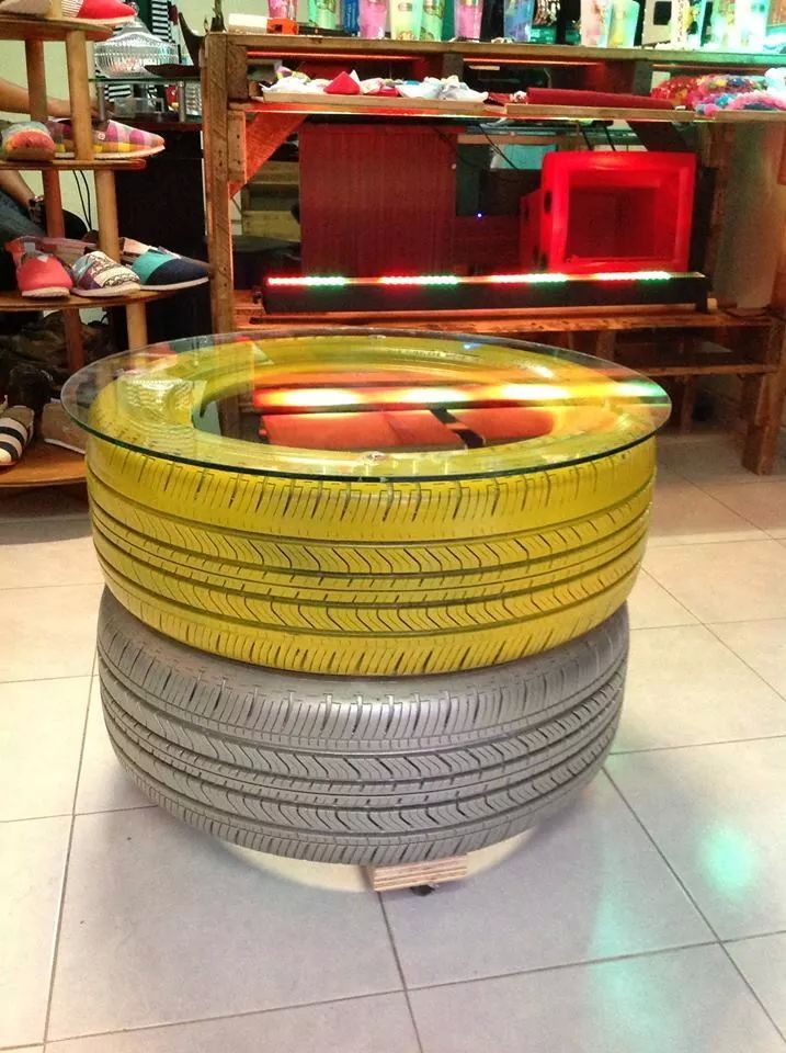 Mesa con llantas deco pinterest mesas - Mesas con ruedas de carro ...