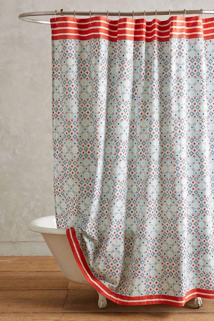 Rideau de douche Piastrella.  Découvrez 21 rideaux de douches originaux >> http://www.homelisty.com/21-rideaux-de-douches-pour-votre-salle-de-bains-chic-classique-original/