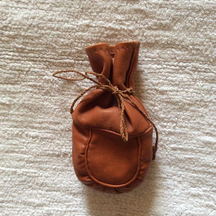 Samisk kaffepåse av renskinn. Coffee bag.