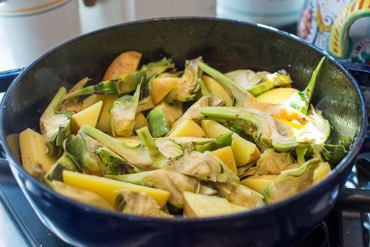 Carciofi e patate in padella (Artichokes and Potatoes)