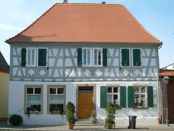2006-Dirmstein-Marktstr1 - Haus Marktstraße 1 (Dirmstein) – Wikipedia