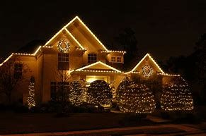 Image result for Christmas Lights Outside House | Christmas House ...