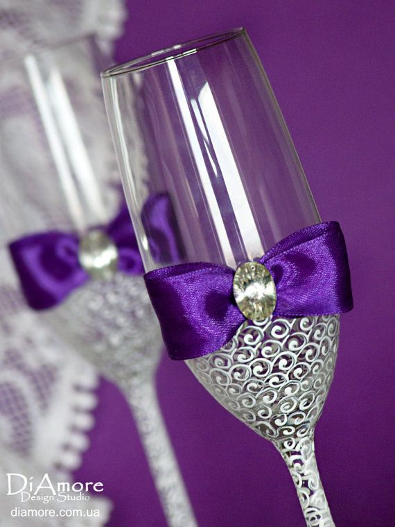 Purple bow wedding champagne flutes by DiAmoreDS
