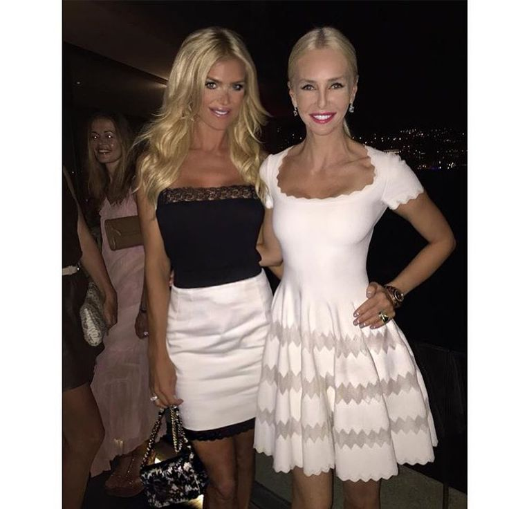 """Victoria Silvstedt Official on Instagram: """"Black&White tonight with @amandacarolinecronin"""""""