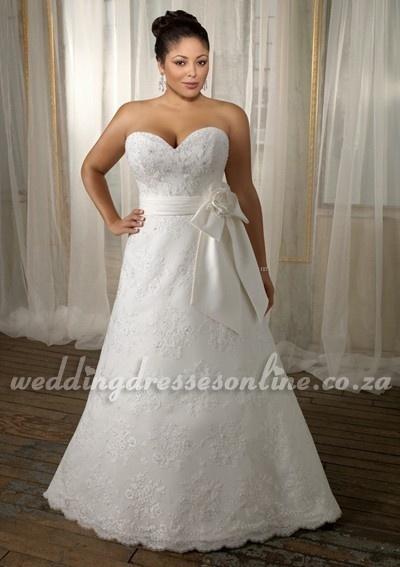 2012 Plus Size Wedding Dress with Floral Sash