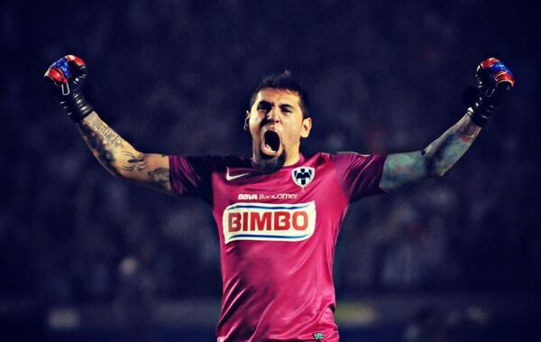 Monterrey se consagró campeón de la Copa de Campeones de la CONCACAF por tercera vez consecutiva, luego de vencer a Santos por marcador de 4 – 2. Con esta victoria logra su pase para el Mundial de Clubes de la FIFA que se disputará el próximo diciembre en Marruecos.