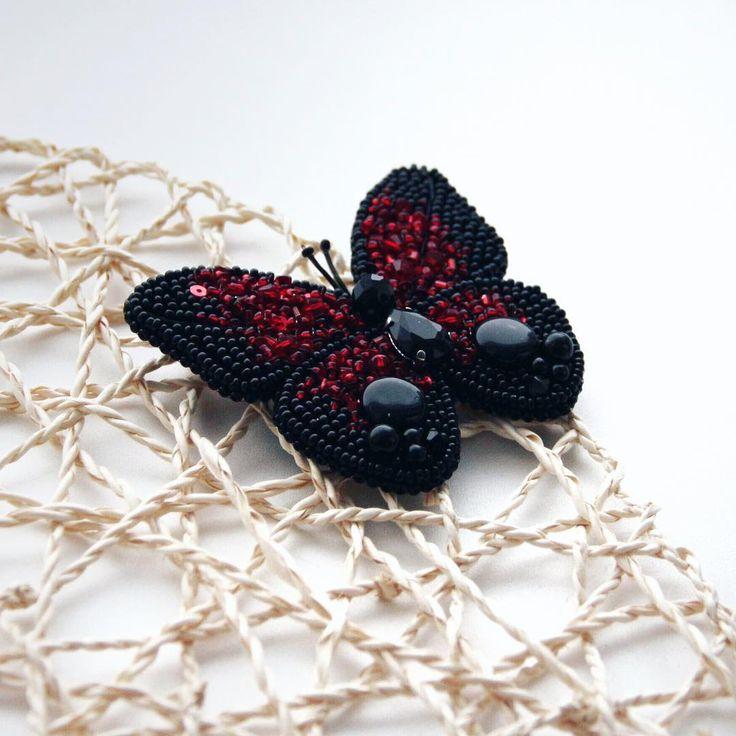 Первая брошь в этом году #брошьизбисера #брошь #сыктывкар #коми #москва #сочи #handmadebiser #handmade_prostor #biser_prodaja #handmadebiser#handmade_jewelry