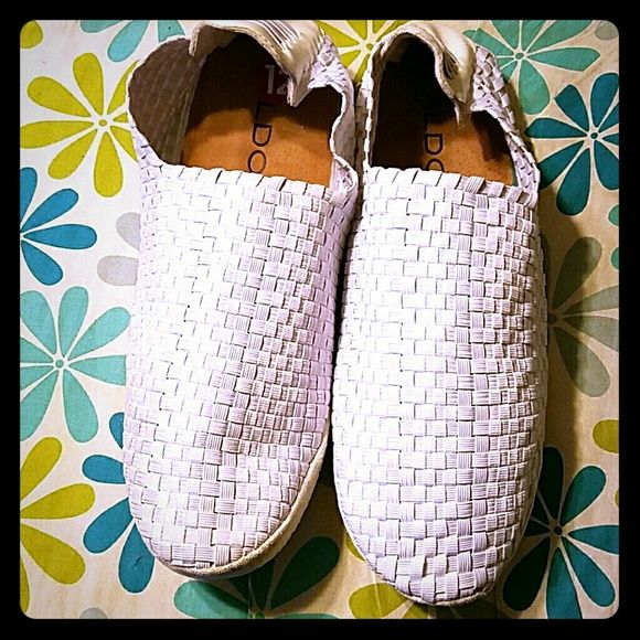 Size 12 Aldo Men's White Loafer Sandal Summer time is coming up, so why not add this stylish gently used shoe to your wardrobe? ALDO Shoes Flats & Loafers