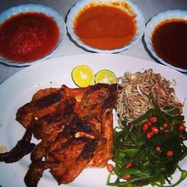 Ayam Taliwang (makan ini brasa disurga tauuuk..)