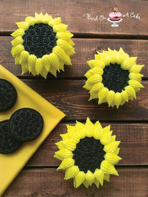 Sunflower Cupcakes made with Oreo Cookies {Bird On A Cake}