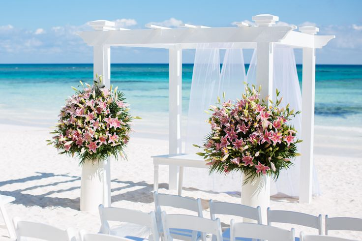 I Think These Are The Pink Lilies In Mayan Pearl Weddings At Grand Palladium Riviera Maya Wedding
