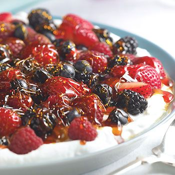 Ginger Yogurt with Berries and Crunchy Caramel: Sweet, Food, Breakfast, Caramel Recipes, Dessert, Berries